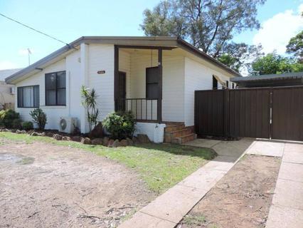 33 Forrester Road, Lethbridge Park NSW 2770-1