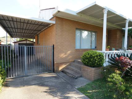 5 Ramsay St, Canley Vale NSW 2166-1