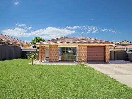 13 Wigmore Grove, Glendenning NSW 2761-1