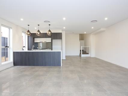 27C Hollis Street, Constitution Hill NSW 2145-1