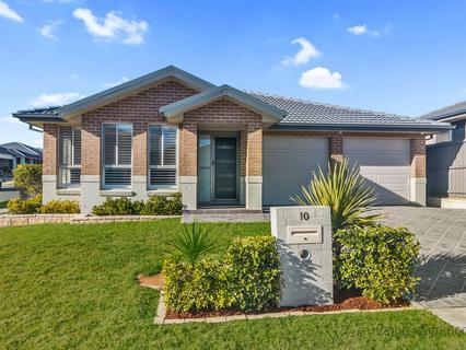 10 Hargrave Avenue, Middleton Grange NSW 2171-1