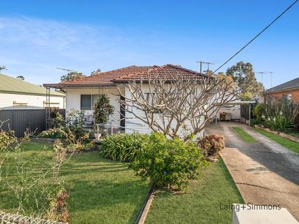 30 Magowar Road, Pendle Hill NSW 2145-1