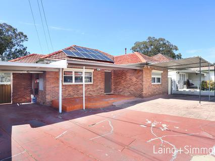 15 Lyndon Street, Fairfield NSW 2165-1