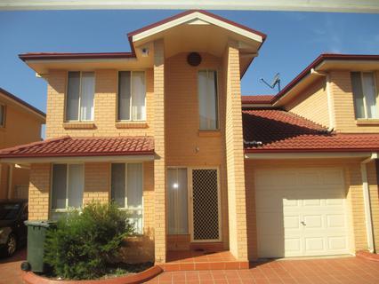 13/156-160 BRENAN ST, Smithfield NSW 2164-1