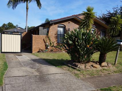 9 Stevenson Street, Wetherill Park NSW 2164-1
