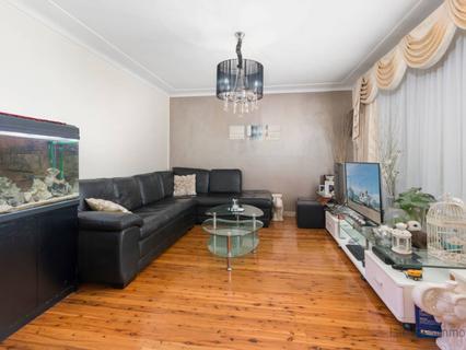 3 Roylston Street, Fairfield West NSW 2165-1