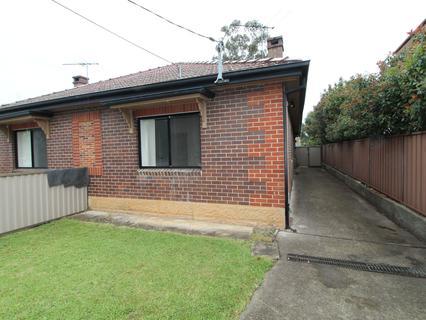 18 Malvern Ave, Merrylands NSW 2160-1
