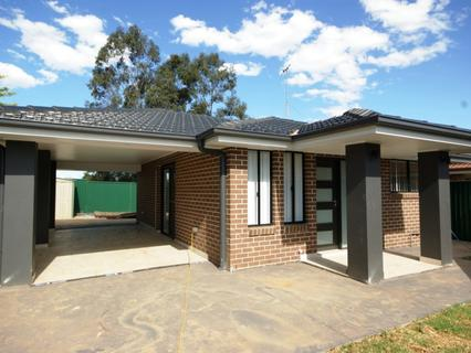 16a Samuel Place, Quakers Hill NSW 2763-1