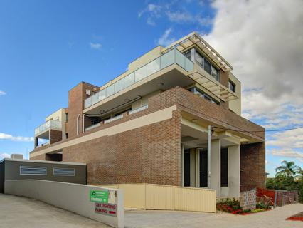2 Remly St, Roselands NSW 2196-1