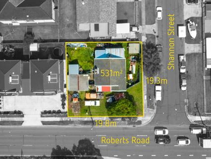 90 Roberts Road, Greenacre NSW 2190-1