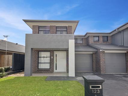 1/123 Skaife Street, Oran Park NSW 2570-1