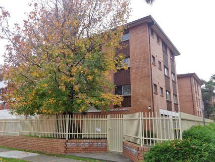6/3 Drummond Street, Warwick Farm NSW 2170-1