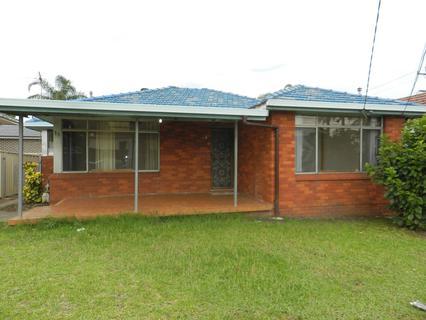 11 MALBOROUGH STREET, Fairfield Heights NSW 2165-1