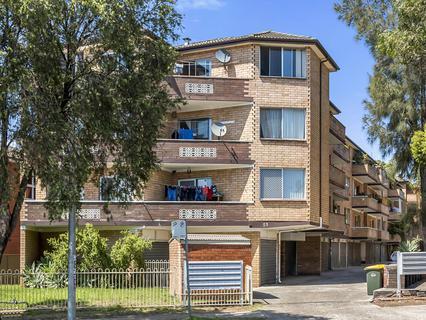 11/51 Hamilton Road, Fairfield NSW 2165-1