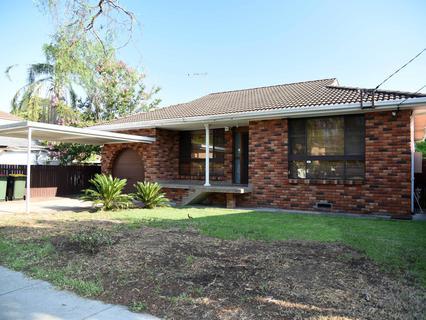 21 Wrentmore Street, Fairfield NSW 2165-1