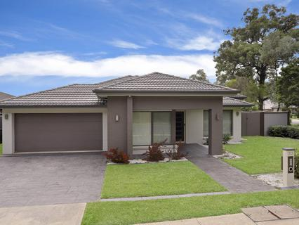 33 Bluebell Cres, Ropes Crossing NSW 2760-1