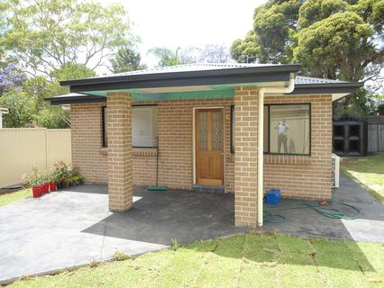 6A MACARTHUR STREET, Fairfield East NSW 2165-1