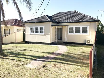 4 Richardson Street, Fairfield NSW 2165-1