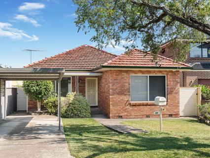 38 Wenke Crescent, Yagoona NSW 2199-1