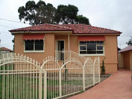 2 Bates Avenue, South Wentworthville NSW 2145-1