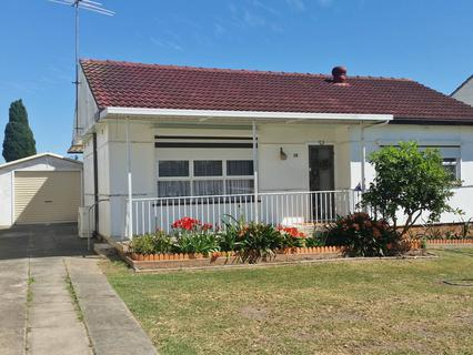 18 Andrew Avenue, Canley Heights NSW 2166-1