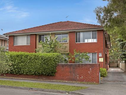 75 Park Street, Campsie NSW 2194-1