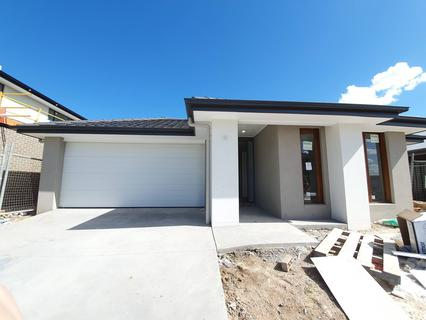 Lot 105 Hodgson Street, Oran Park NSW 2570-1