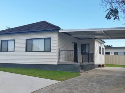 1B Hiland Crescent, Smithfield NSW 2164-1