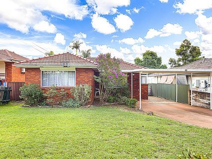 68 Mackenzie Boulevard, Seven Hills NSW 2147-1