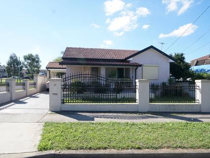18 Stella Street, Fairfield Heights NSW 2165-1