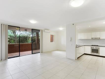 17/7-11 Kitchener Avenue, Regents Park NSW 2143-1