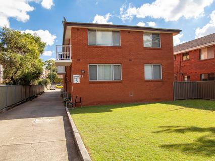 4/25 Military Road, Merrylands NSW 2160-1