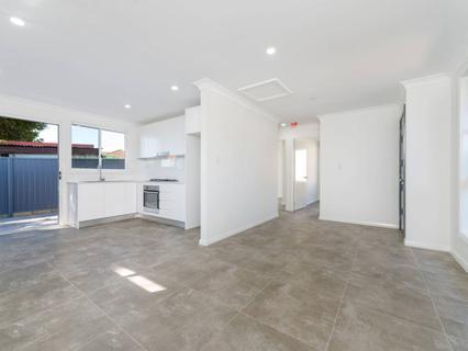 102a Seven Hills Road South, Seven Hills NSW 2147-1