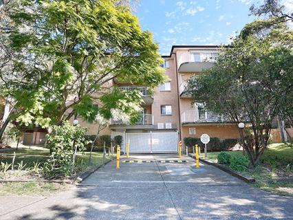 10/37-39 Memorial ave, Merrylands NSW 2160-1