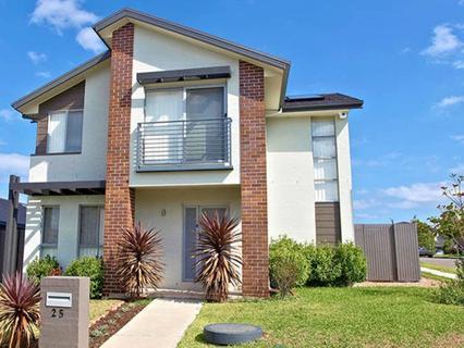 25 Trustcott Avenue, Middleton Grange NSW 2171-1