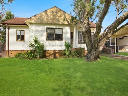 8 Burke Road, Lalor Park NSW 2147-1