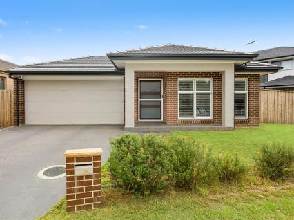 24 Summerland Crescent, Colebee NSW 2761-1