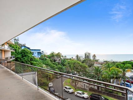 2/14 Graylind Close, Collaroy NSW 2097-1