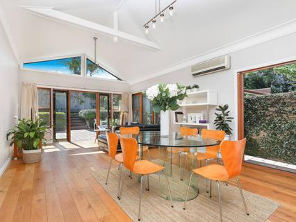 16 Charles Street, Eastlakes NSW 2018-1