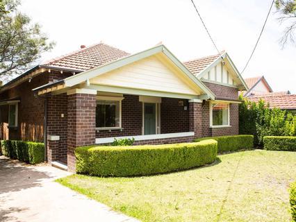4 Berry Road, St Leonards NSW 2065-1