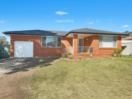 37 Windrush Circuit, St Clair NSW 2759-1