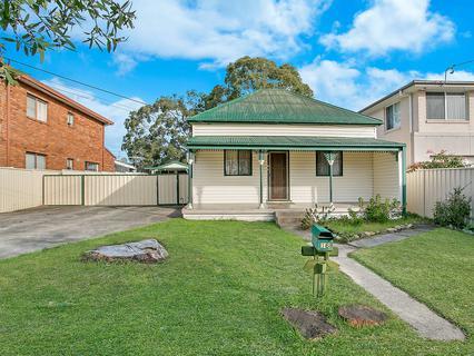 16 Winchmore Street, Merrylands NSW 2160-1