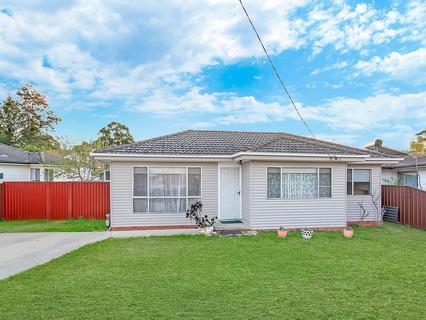 33 Duckmallois Avenue, Blacktown NSW 2148-1