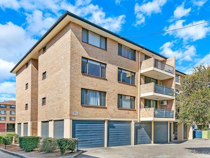32/7 Griffiths Street, Blacktown NSW 2148-1