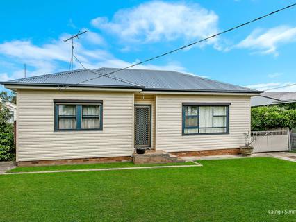 42 Dorothy Crescent, Colyton NSW 2760-1
