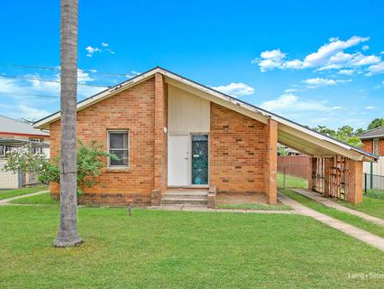 12 Aitape Crescent, Whalan NSW 2770-1