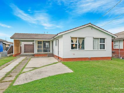 15 Sunda Avenue, Whalan NSW 2770-1