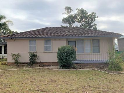 2 Awatea Place, Lethbridge Park NSW 2770-1