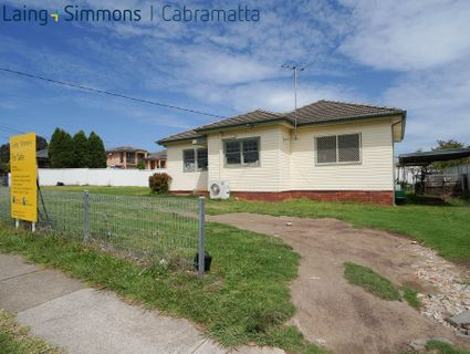 320 CANLEY VALE ROAD, CANLEY HEIGHTS NSW 2166-1