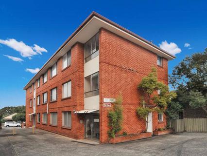 5/4 Howard Street, Canterbury NSW 2193-1
